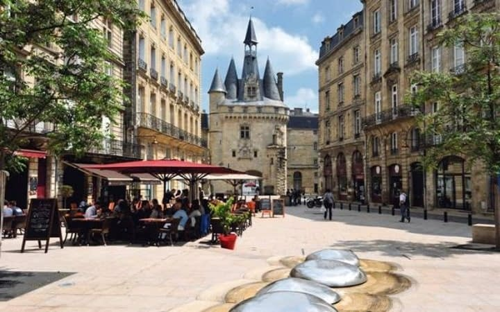 Bordeaux surprise destination Wish&Fly. Surprise Trip.