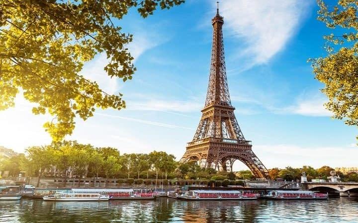 Paris surprise destination Wish&Fly. Surprise Trip.